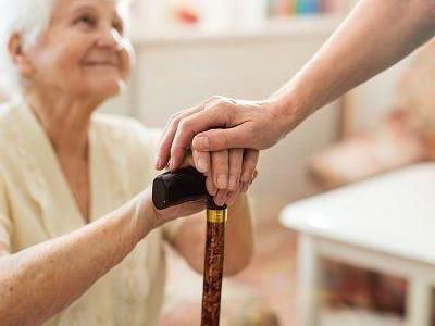 opieka nad seniorem 34
